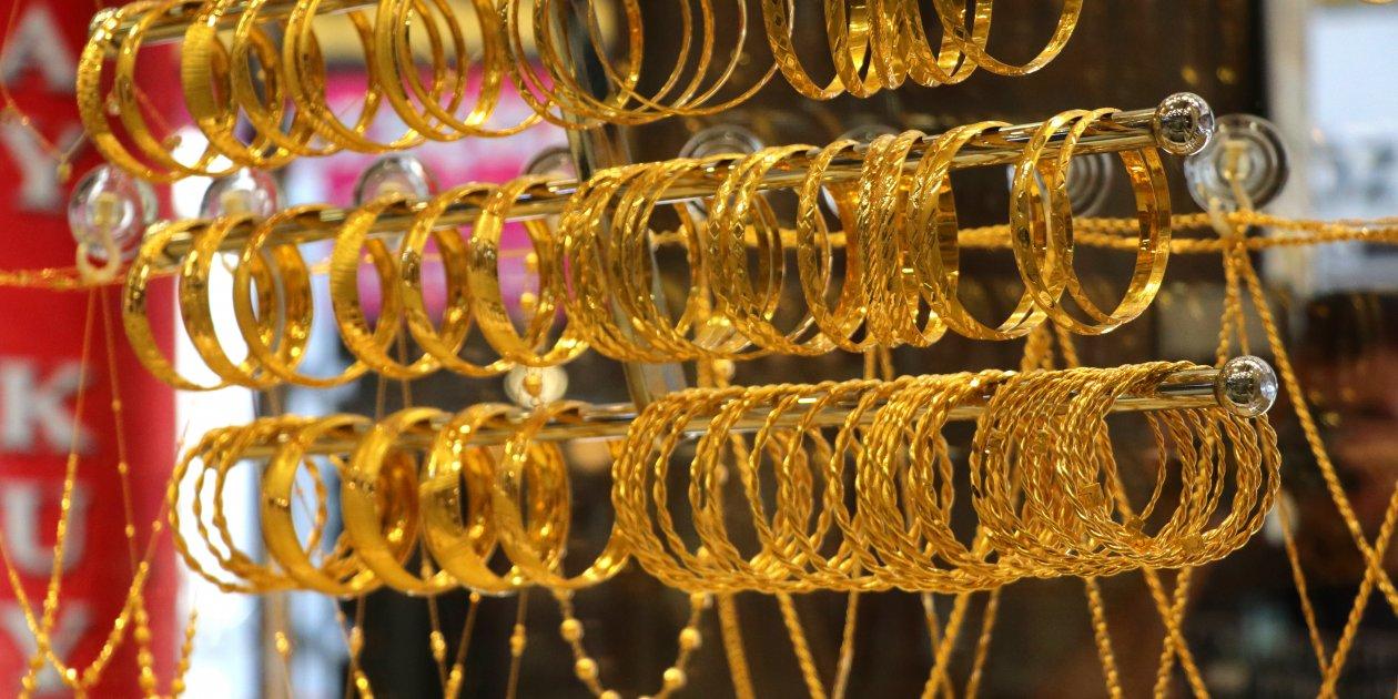 30 Ağustos 2021 altın maliyetleri 2021! Çeyrek altın kaç TL bugün gram altın kaç Lira? Cumhuriyet altını, 22 ayar bilezik fiyatı kaç TL!