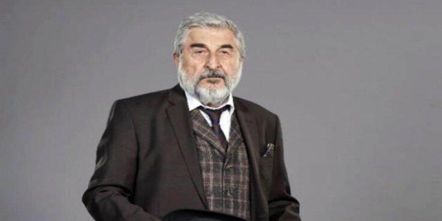 Cihat Tamer'in sözleri Usta Sanatçı Ferhan Şensoy'un cenazesine damga vurdu: Din bağımlısı hükümetlere rağmen tiyatro yapıyoruz