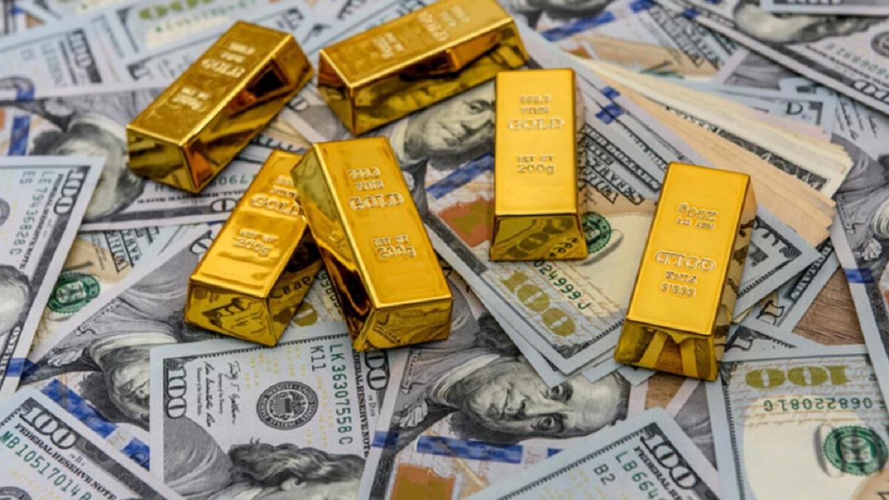 Dolar fiyatlarıyla ilgili uzman ekonomistten beklenen açıklama geldi! Altın yatırım yapılmalı mı?