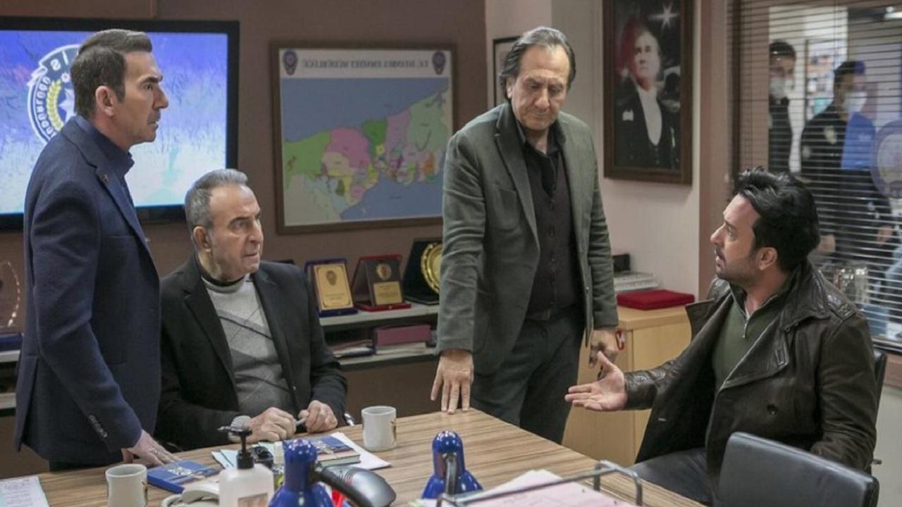 Arka Sokaklar'da başrol oyuncuları diziye bir bir veda etti! Rıza baba Ve Hüsnü Çoban ve ailesi diziden ayrılıyor mu?