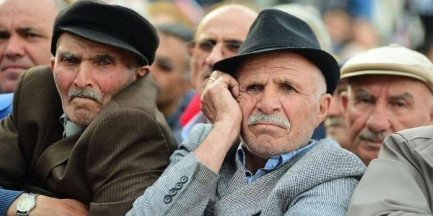 5 Milyon Emekliye 355 TL İntibak Müjdesi Geldi! Milyonlarca Emekli Yeni Zamdan Yararlanacak…