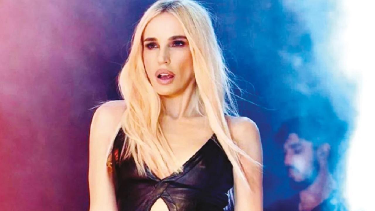 Ünlü şarkıcı Gülşen sosyal medya hesabından yaptığı yeni paylaşımla tekrar gündem oldu